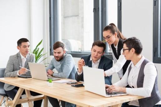 Infineo, une équipe avec du savoir-transmettre, Accompagnement et proximité
